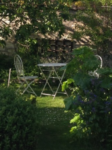 2014-05-11 Loches apt garden 8