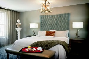 Kessler-Asheville-Room-Queen_Suite_Jr_TRB4005