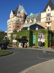 2016-05-05 Victoria BC - Farimont Inn 5