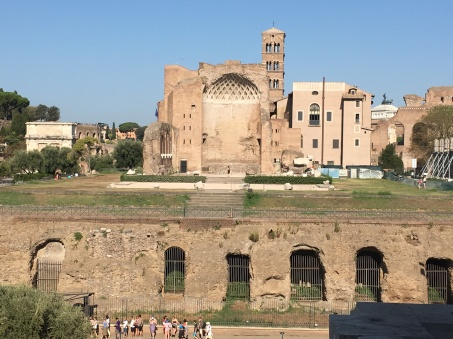 2016-08-20 Rome Colosseum Tour Athena's Temple 2