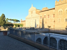 2016-08-22 Florence church above Michangelo Piazza 6