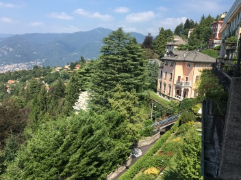 2016-08-27 Lake Como top of the hill 9