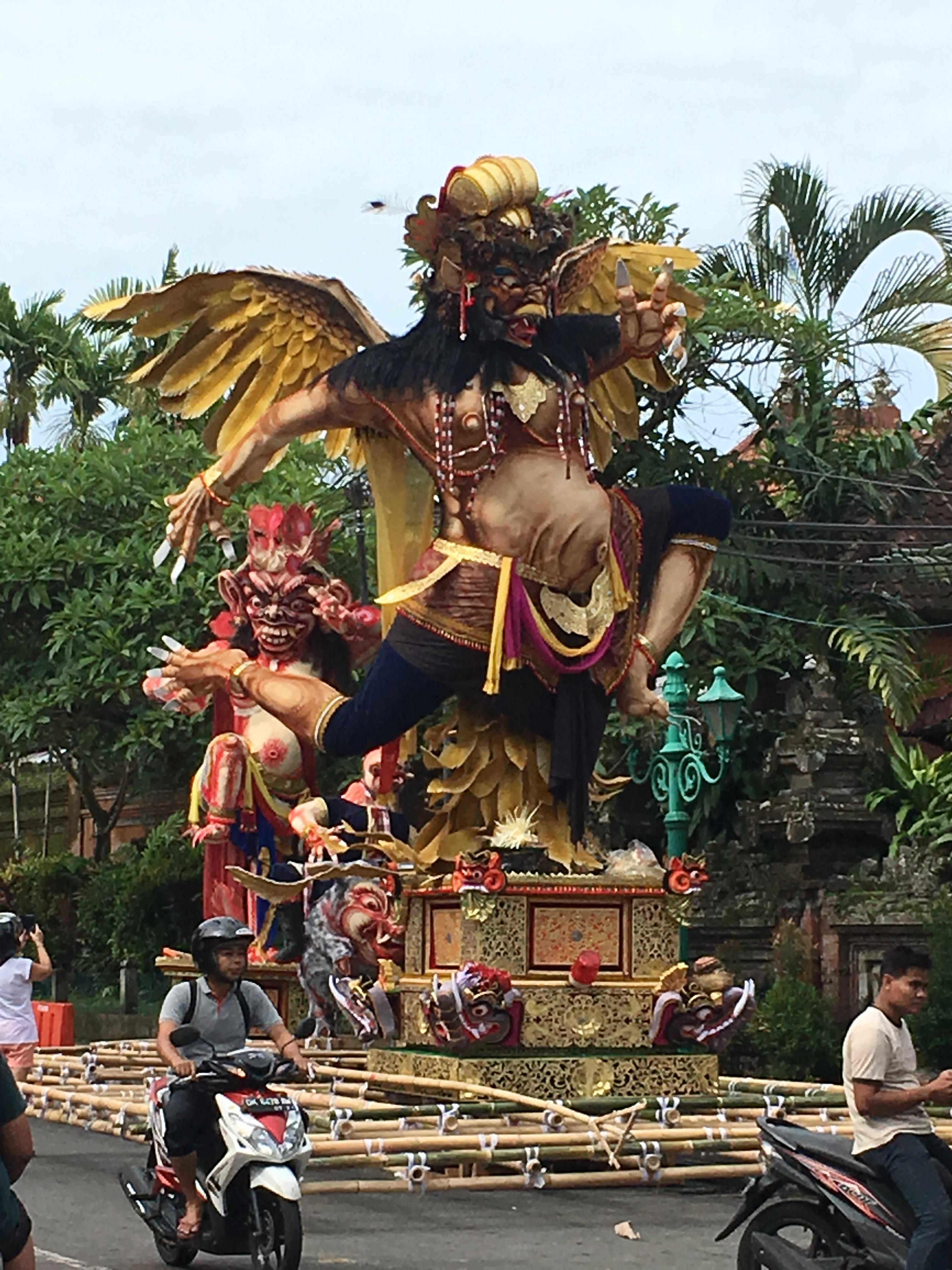 2017-03-27 Bali Ubud Ogoh Ogoh 10.jpg