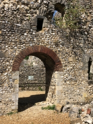 2018-08-06 Winchester Bishop's palace ruins 4