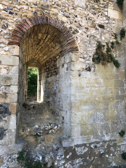 2018-08-06 Winchester Bishop's palace ruins 5