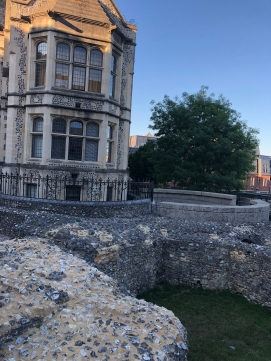 2018-08-06 Winchester Great Hall remains of Winchester Palace - Round Table 2